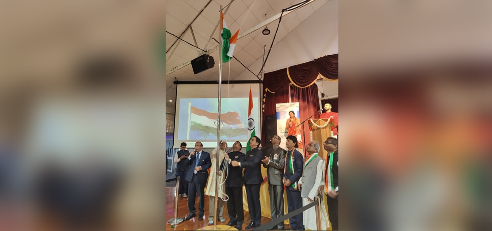 H.E. Muktesh K Pardeshi, High Commissioner of India hoisted the Indian Flag at the Mahatma Gandhi Centre, Auckland on the 75th Independence Day of India, 15th August 2021.